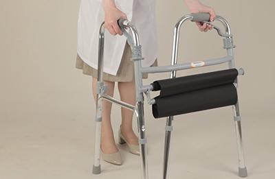 выбрать ходунки для пожилых людей